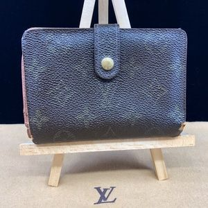 LV574 Monogram Kisslock Wallet